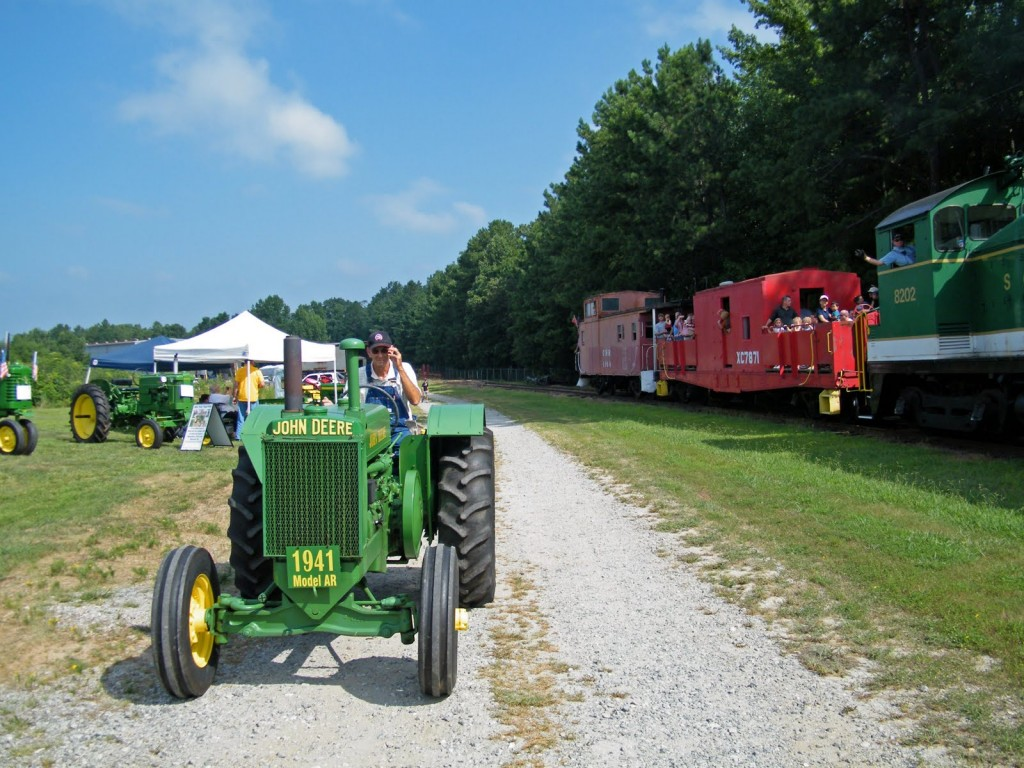 Tractor Train Rides : Trains trucks and tractors discover lake lanier