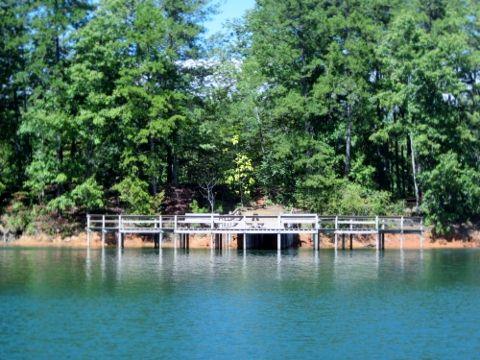 buford-dam-park-pier2-lake-lanier