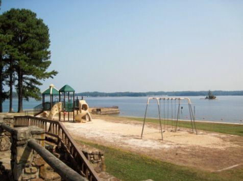 van-pugh-north-park-playground2-lake-lanier