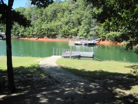 vanns-tavern-boat-dock-lake_lanier