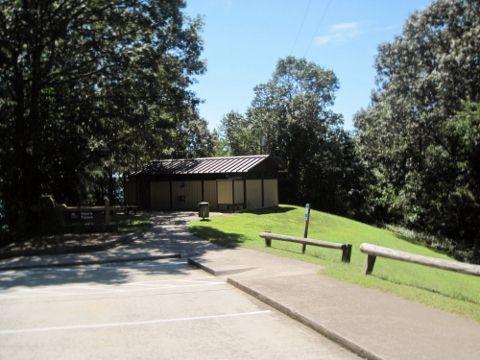 vanns-tavern-park-restrooms-lake-lanier