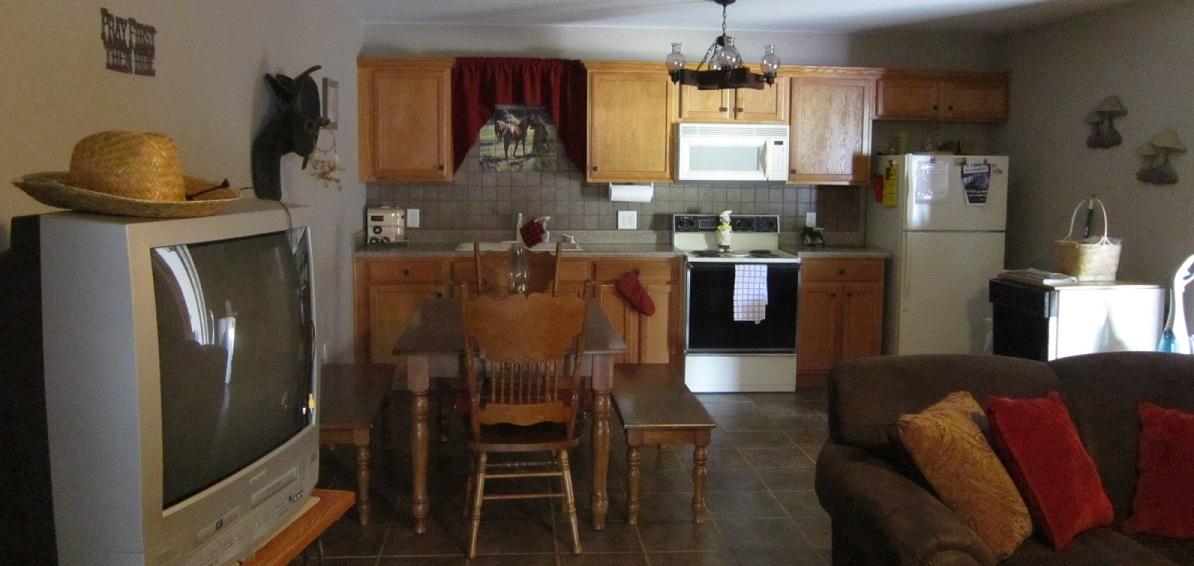 Bunk-house-kitchen1