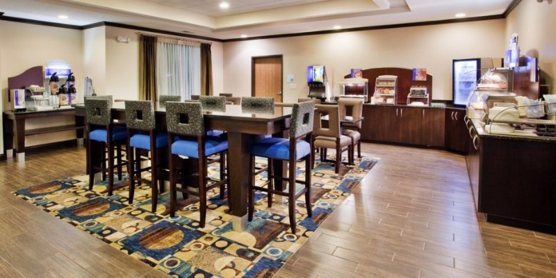 holiday-inn-express-and-suites-buford-2533129533-2x1