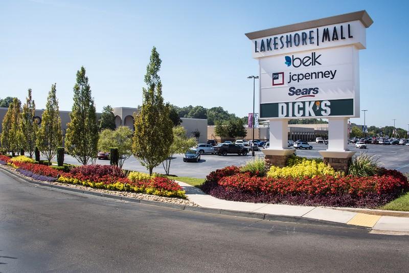 Lakeshore Mall Discover Lake Lanier